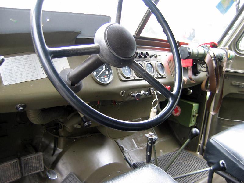 УАЗ-469 салон